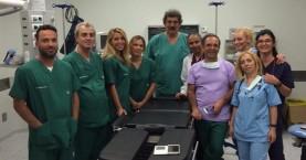 ΙΣΑ: Θέμα νομιμότητας για την παρουσία Πολάκη στο χειρουργείο στη Σαντορίνη