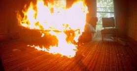 Είδαν το σπίτι τους στις φλόγες στα Μεσκλά Χανίων
