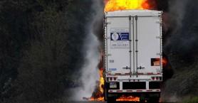 Αναστάτωση στα Ανώγεια από φορτηγό που τυλίχθηκε στις φλόγες