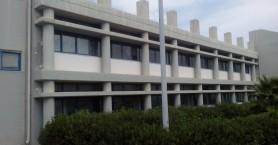 Στην εντατική σπουδαστής της ΑΕΝ στη Σούδα - Έπεσε από το κτίριο