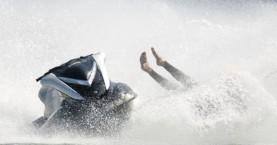 Τρεις τραυματίες σε σύγκρουση δύο τζετ σκι στον Καβρό Χανίων