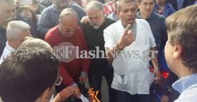 Έκαψαν τα ειδοποιητήρια Κατρούγκαλου μπροστά στον Α.Ξανθό στο ΠΑΓΝΗ (φωτό)