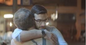 Πέρσι έκλαιγε το ίντερνετ με τη διαφήμιση της μπίρας ΑΛΦΑ-Φέτος κλαίει ξανά