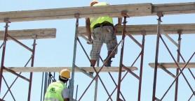 Ηράκλειο: Συστήνεται η αποφυγή οικοδομικών εργασιών σε σκαλωσιές και ύψη λόγω του σεισμού