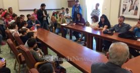 Διαμαρτυρία στον Δήμο Χανίων για την λαϊκή αγορά στο 16ο Δημοτικό (βίντεο)