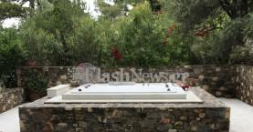 Δίπλα στην αγαπημένη σύζυγο του θα ταφεί ο Κωνσταντίνος Μητσοτάκης (φωτό)