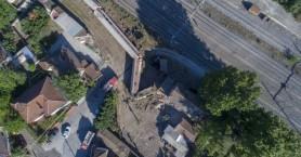Η τραγωδία από τον εκτροχιασμό τρένου μέσα από αεροφωτογραφίες