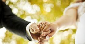 Παντρεύτηκαν στην Κρήτη και αντί για δώρα ζήτησαν τρόφιμα
