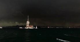 Σκοτείνιασε η μέρα στην Κωνσταντινούπολη: Πλημμύρες, καταστροφές, πυρκαγιές