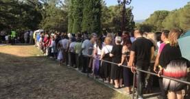 Χιλιάδες πιστοί συρρέουν στον τάφο του Αγίου Παΐσιου (βίντεο)