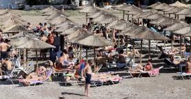 Οργιάζει η αυθαιρεσία στις ελληνικές παραλίες