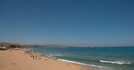 Ρύπαναν στην ακτή στις Γούβες Ηρακλείου - Συνελήφθη υπεύθυνος ξενοδοχείου