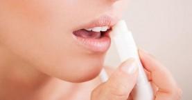 Εσύ ήξερες ότι πρέπει να βάζεις οπωσδήποτε αντηλιακό και στα χείλη;