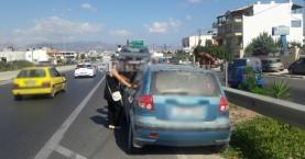 Κυκλοφοριακό κομφούζιο από δύο απανωτά τροχαία στο Ηράκλειο (φωτο)