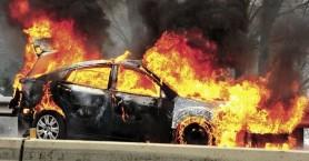 Αυτοκίνητο τυλίχτηκε στις φλόγες ενώ κινείτο στον ΒΟΑΚ
