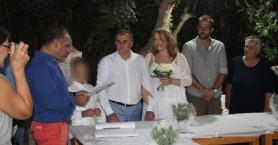 Παντρεύτηκε ο δήμαρχος Ιεράπετρας χθες την αγαπημένη του (φωτο)