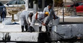 Υπουργείο Ναυτιλίας: Δεν παρατηρείται επιφανειακή ρύπανση στη Σαλαμίνα