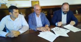 Υπεγράφη η  σύμβαση για ανάπλαση της Ακτής Παπανικολή στην Νέα Χώρα Χανίων