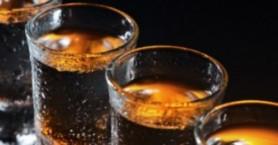 Πόσο αλκοόλ πίνουν οι Έλληνες, πότε θεωρείται κάποιος αλκοολικός