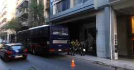 Περίεργο περιστατικό με ΙΧ κοντά στα γραφεία του ΠΑΣΟΚ