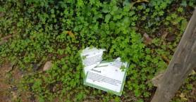 Παιδιά κατέστρεψαν πινακίδες στο Βοτανικό Πάρκο υπό το βλέμμα των γονέων!