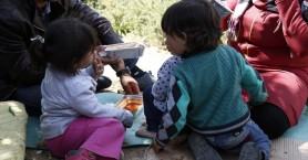 Αμείωτες οι προσφυγικές ροές παρά την επιδείνωση του καιρού