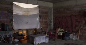 Οι άνθρωποι που περνούν στα Χανιά τις γιορτές χωρίς στέγη, χωρίς ζέστη
