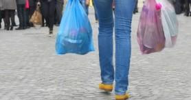 Πολύ μεγάλη μείωση της χρήσης πλαστικής σακούλας στα σουπερμάρκετ