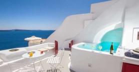 Η Σαντορίνη ο πιο ακριβός προορισμός στη Μεσόγειο