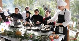 Τα 5α χοιροσφάγια απο τον Πολιτιστικό Σύλλογο Σκορδαλού στο Βοτανικό πάρκο