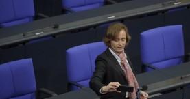 Γερμανία: Η αστυνομία μηνύει βουλευτή της ακροδεξιάς για «υποκίνηση μίσους»