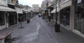 Ανοικτά αλλά άδεια τα καταστήματα στα Χανιά (φωτο)