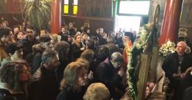 Πιστοί συρρέουν να προσκυνήσουν το λείψανο του Αγίου Χαραλάμπους στα Χανιά