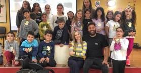 Η ...έκπληξη μικρών μαθητών που συγκίνησε τον Αντώνη Τσαπατάκη (βιντεο)