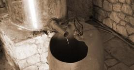 Πότε θα εκδοθούν οι άδειες απόσταξης για την παραγωγή τσικουδιάς