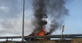 Πήρε φωτιά αυτοκίνητο μετά από τροχαίο ατύχημα στα Χανιά