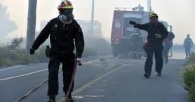 Δείτε εικόνες από την νταλίκα που κάηκε στην εθνική οδό