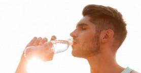 Τι συμβαίνει στον οργανισμό σου όταν πίνεις υπερβολικά πολύ νερό;