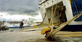 Δεμένα στα λιμάνια και της Κρήτης τα πλοία - Δεν θα γίνουν τα δρομολόγια
