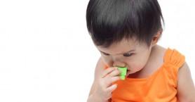 Όσα πρέπει να ξέρετε για την πνιγμονή απο ξένο σώμα στα παιδιά