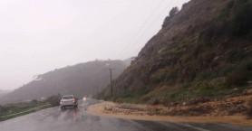 Πλημμύρισε η εθνική οδός στο ύψος του Ταυρωνίτη (φωτο+βιντεο)