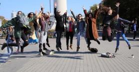 Πως 15 νέοι φέρνουν την κοινωνική αλλαγή στη χώρα-Η πρωτοβουλία της Κρήτης