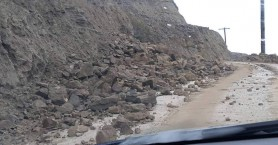 Δεν λένε να σταματήσουν οι κατολισθήσεις στο δρόμο από Μύρτος προς Τέρτσα