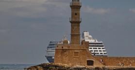 Στο λιμάνι των Χανίων το κρουαζιερόπλοιο Azamara Pursuit (φωτο)