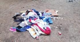 Ρούχα και σκουπίδια στο πάρκο των Αγίων Αποστόλων (φωτο)