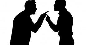 Υποψήφιοι δήμαρχοι Χανίων «αρπάχτηκαν» πίσω από τις κάμερες σε debate