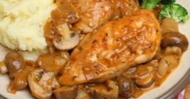 Κοτόπουλο κοκκινιστό με μανιτάρια και πουρέ πατάτας