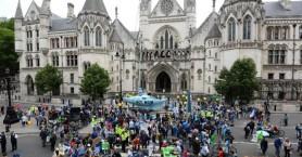 Ακτιβιστές του κλίματος προκάλεσαν προβλήματα σε πέντε βρετανικές πόλεις
