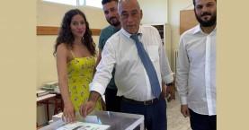 Στον Σκινέ ψήφισε ο Ιωάννης Κασσελάκης