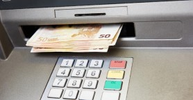 Έκανε ανάληψη, αλλά… ξέχασε τα 400€ στο ATM!
